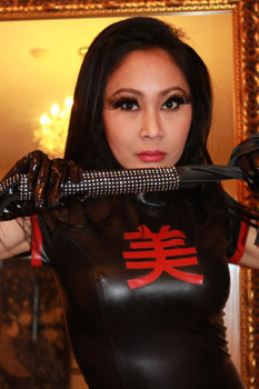 London-Mistress-Madame-Suri2