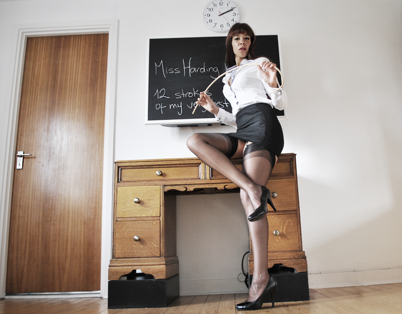 beautiful-spanking-London-Mistress-sexy-BDSM-roleplay-Kings-Cross