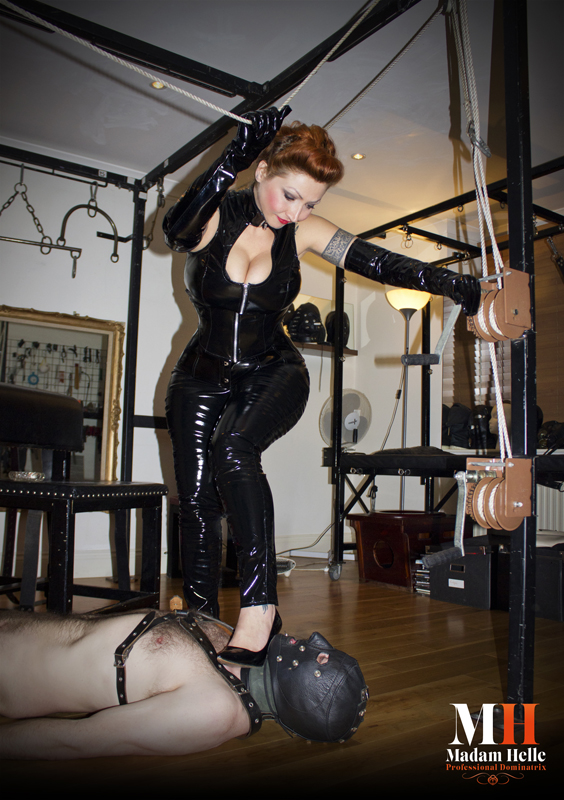 London-Mistress-Madam-Helle
