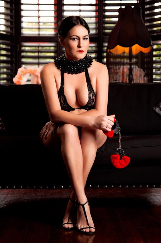 London-Mistress-Izabel