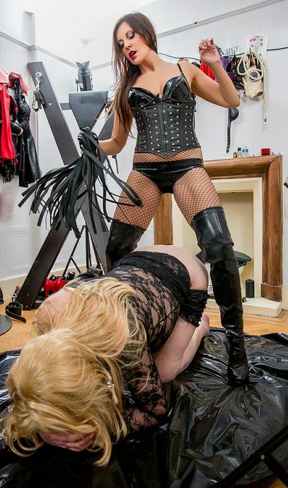 London-Mistress-Allure-Flogging-her-sissyslut