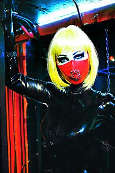London-Mistress-Goddess-Morana1