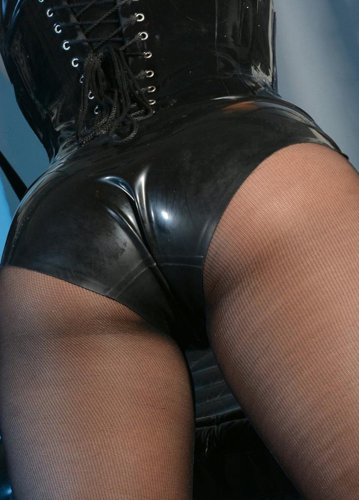 London-Ass-Worship-Lady-Seductress