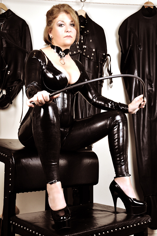 London-Mistress-Gemma-catsuit