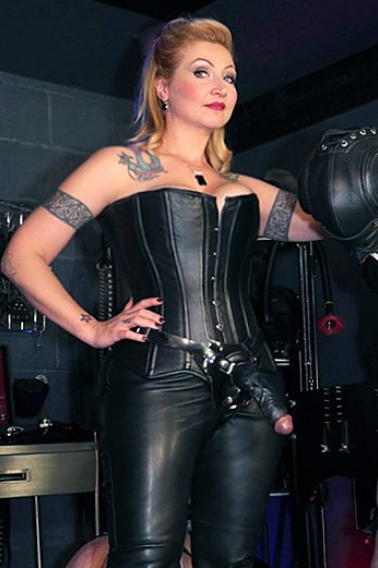 london-mistresses-madam-helle