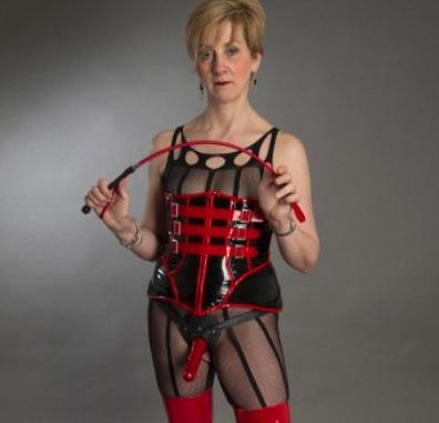 london-strapon-mistress-modesty-ablaze