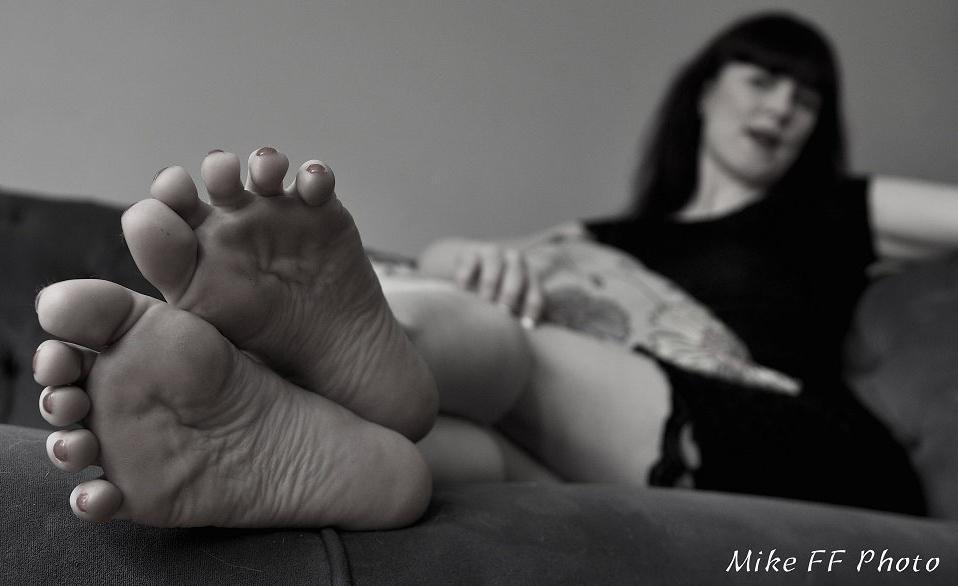 london-mistress-miss-kitty-bliss-foot-fetish
