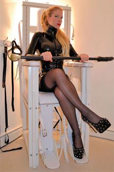 London-Manchester-Mistress-Helena4