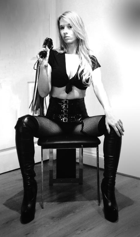 London-Mistresses-Miss-Lady-Ashley-BW